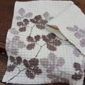Linen Pair of bath towels with printed leaves
