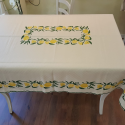 Tablecloth hand-printed with lemons