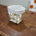 Bread basket or object holder in washable paper