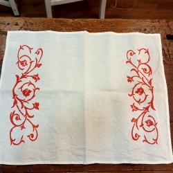 Placemat in printed linen bud