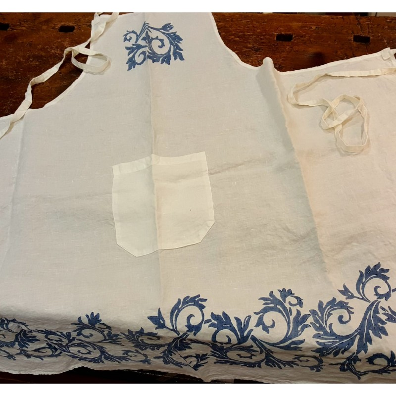 Kitchen apron in linen acanthus collection