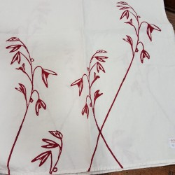 Table runner morouse collection in gold or red