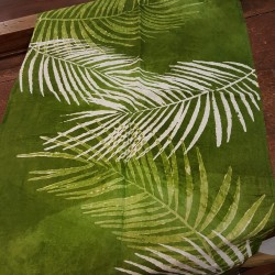 Green Table Runner in pure crumpled linen Palma Riserva Collection