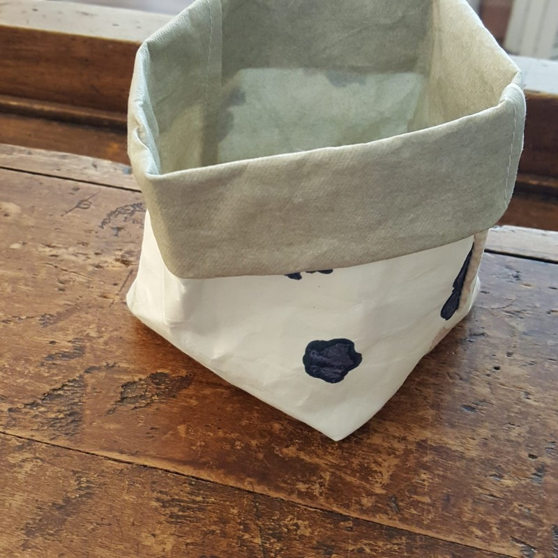 Washable paper storage baskets from the L'Heure Bleue collection