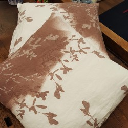 Cushion bodies in crumpled linen Clover Collection