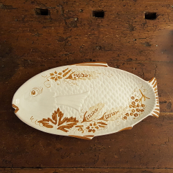 Ceramic platter shaped fish.