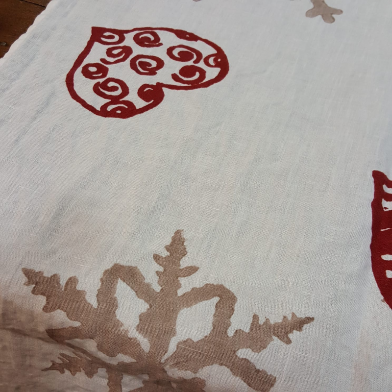 Linen Tablecloth  printed snowflakes and hearts