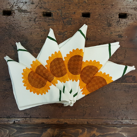 mixed linen napkins decorating coordinated sunflowers
