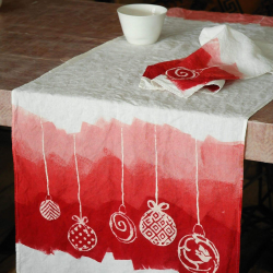 Italian Table runner crumpled linen Christmas