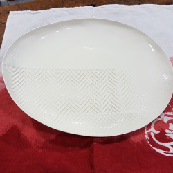 Platter made in porcelain