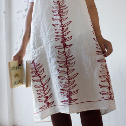 Apron in pure linen