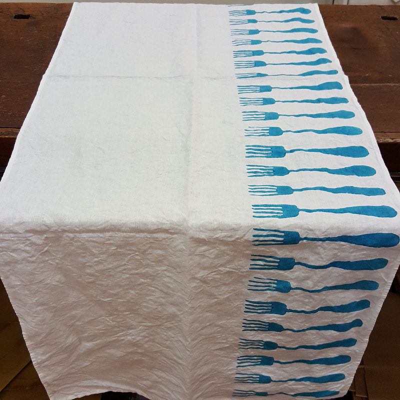 Table Runner forks print bertozzi